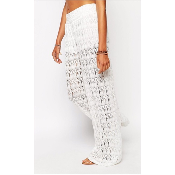 2bf3b05e2d222 Surf Gypsy Crochet Beach Pants Coverup Size S-0022.  M 5bb49e6ad8a2c70f2bcf4cde
